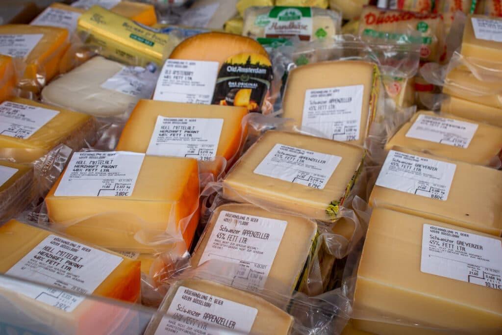 Marktstand Eier Geier Langenfelder Wochenmarkt Bild 1
