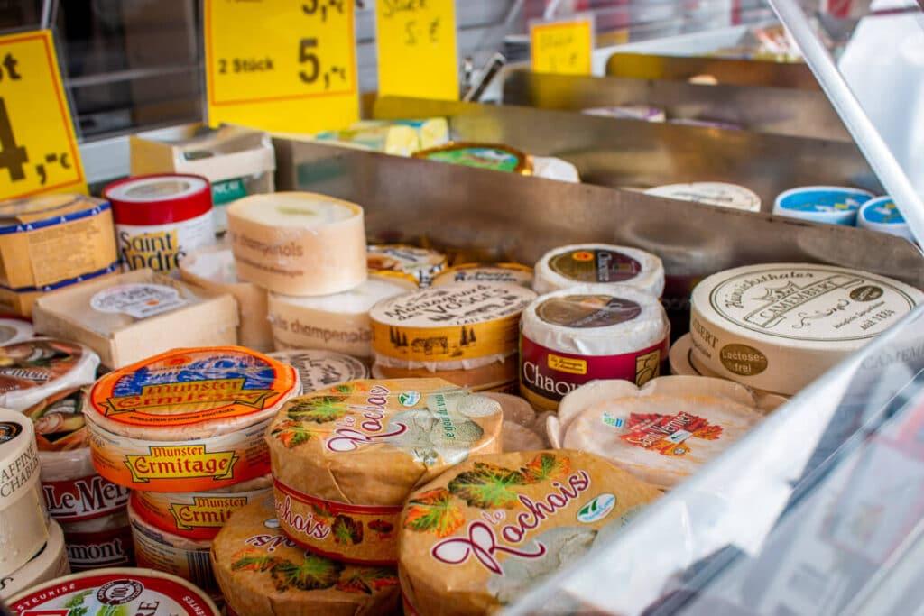 Marktstand Eier Geier Langenfelder Wochenmarkt Bild 6
