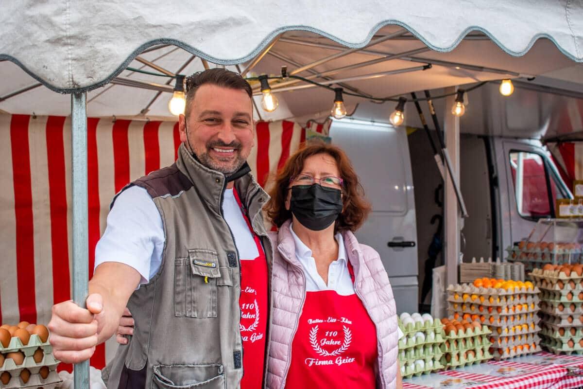 Marktstand Eier Geier Langenfelder Wochenmarkt Bild 9