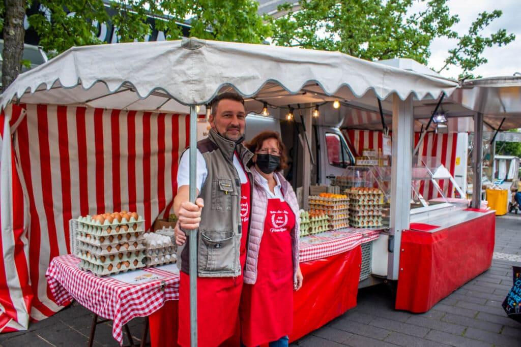 Marktstand Eier Geier Langenfelder Wochenmarkt Bild 10