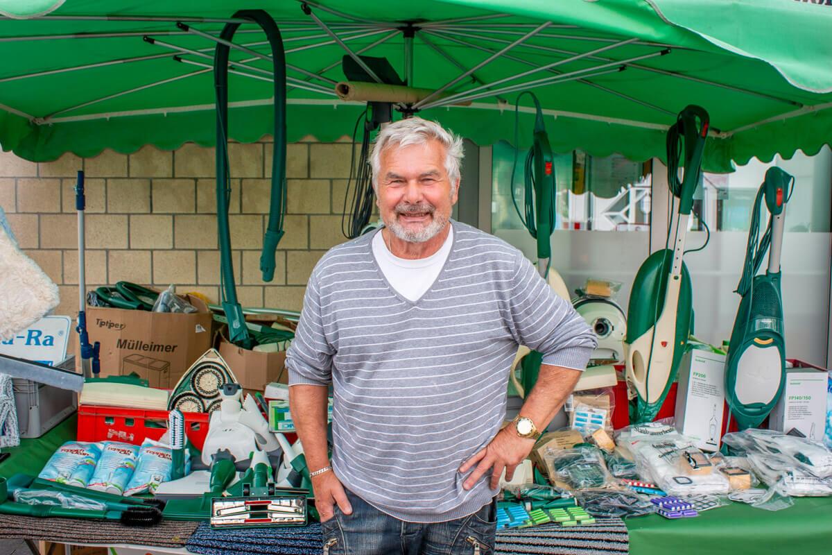 Marktstand Erwin Neumann Langenfelder Wochenmarkt Bild 1