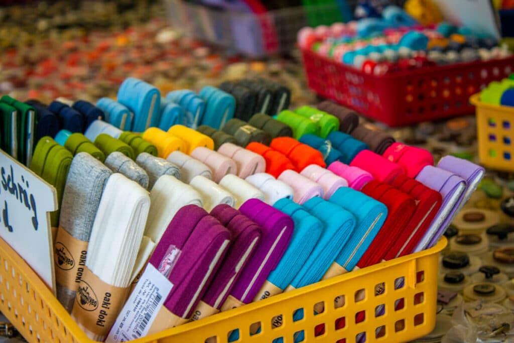 Marktstand Kurzwaren Romagno Langenfelder Wochenmarkt Bild 13