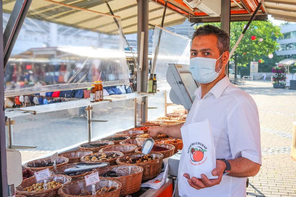 Marktstand Nussfruchtbar Langenfelder Wochenmarkt Bild 1