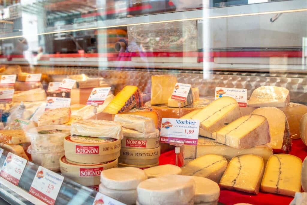 Marktstand Kaaskoning Langenfelder Wochenmarkt Bild 3