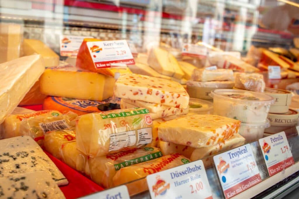 Marktstand Kaaskoning Langenfelder Wochenmarkt Bild 4
