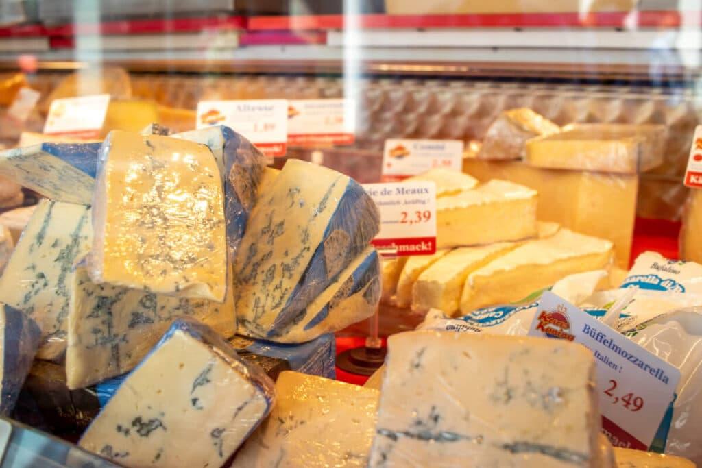 Marktstand Kaaskoning Langenfelder Wochenmarkt Bild 10