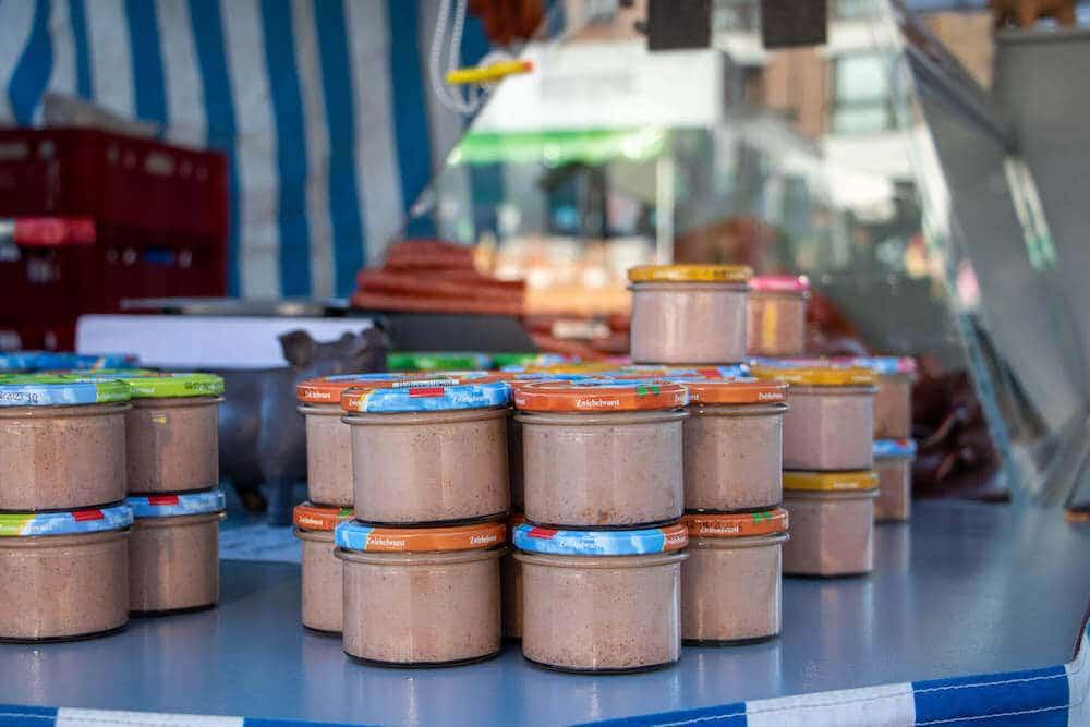 Marktstand Bergische Mettwurst auf dem Wochenmarkt in Langenfeld Bild 2
