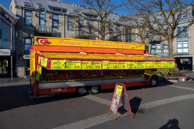 Marktstand Metzgerei J. Hilgemeier & Sohn Langenfelder Wochenmarkt Bild 1