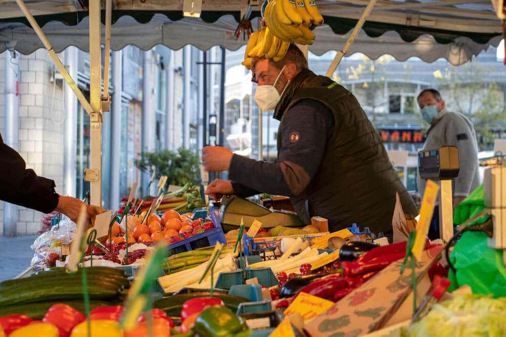 Marktstand Obst Gemüse Becker Langenfelder Wochenmarkt Bild 2