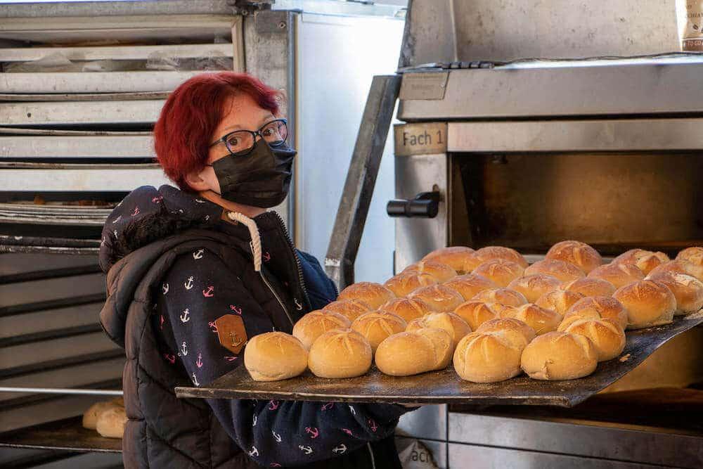 Marktstand Niederrheinische Landbäckerei Berns auf dem Langenfelder Wochenmarkt 4