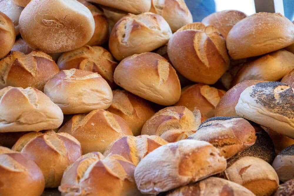 Marktstand Niederrheinische Landbäckerei Berns auf dem Langenfelder Wochenmarkt 2