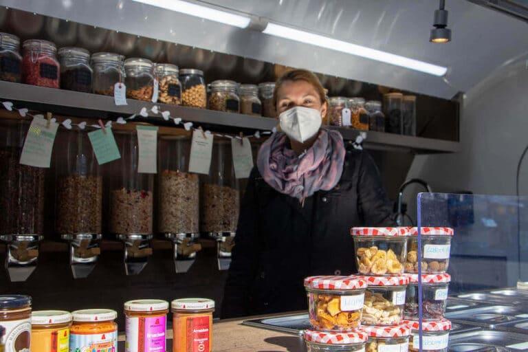 Marktstand fairliebt & hüllenlos auf dem Langenfelder Wochenmarkt Bild 1