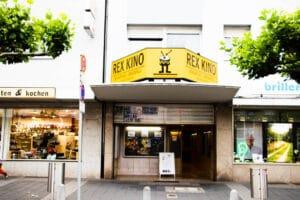 REX Kino Langenfeld - Aussenansicht Eingang