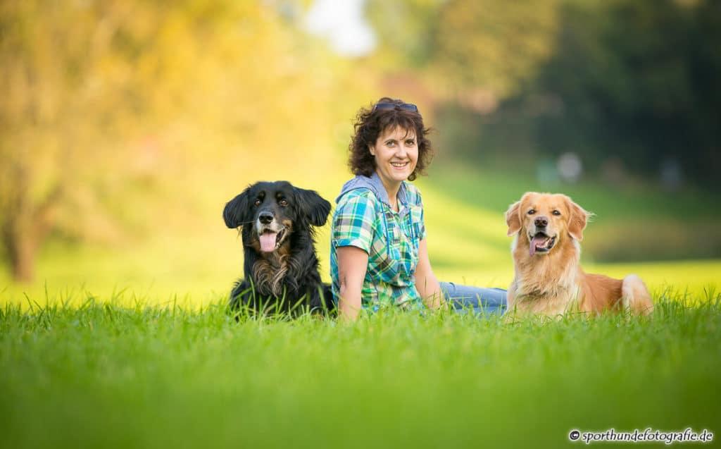 Frau mit Hunden - hundherum