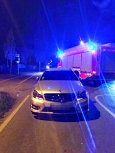 Unfall in Langenfeld - Polizei stellt Mercedes sicher