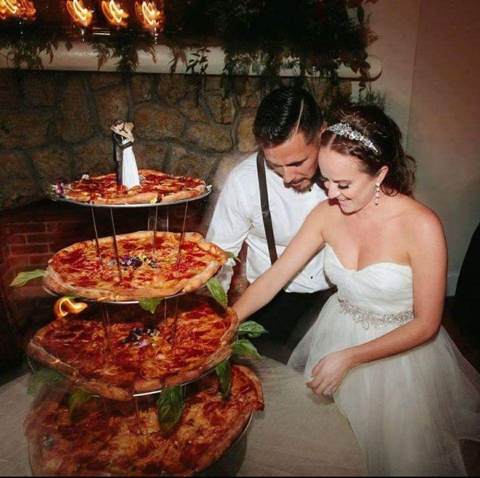 Pizza Hochzeitstorte